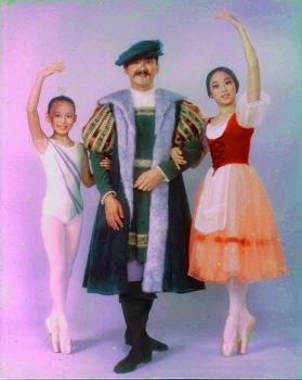 三人の演技写真
